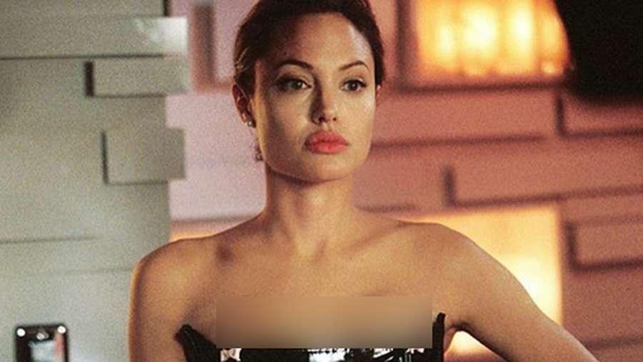 Penampilan Angelina Jolie Muda, dari Punk Rock sampai Artis Top