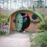 Main ke rumah Hobbit (zaskiadyamecca/Instagram)