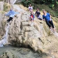 Mereka wisata di sungai hingga sore, betah! (zaskiadyamecca/Instagram)