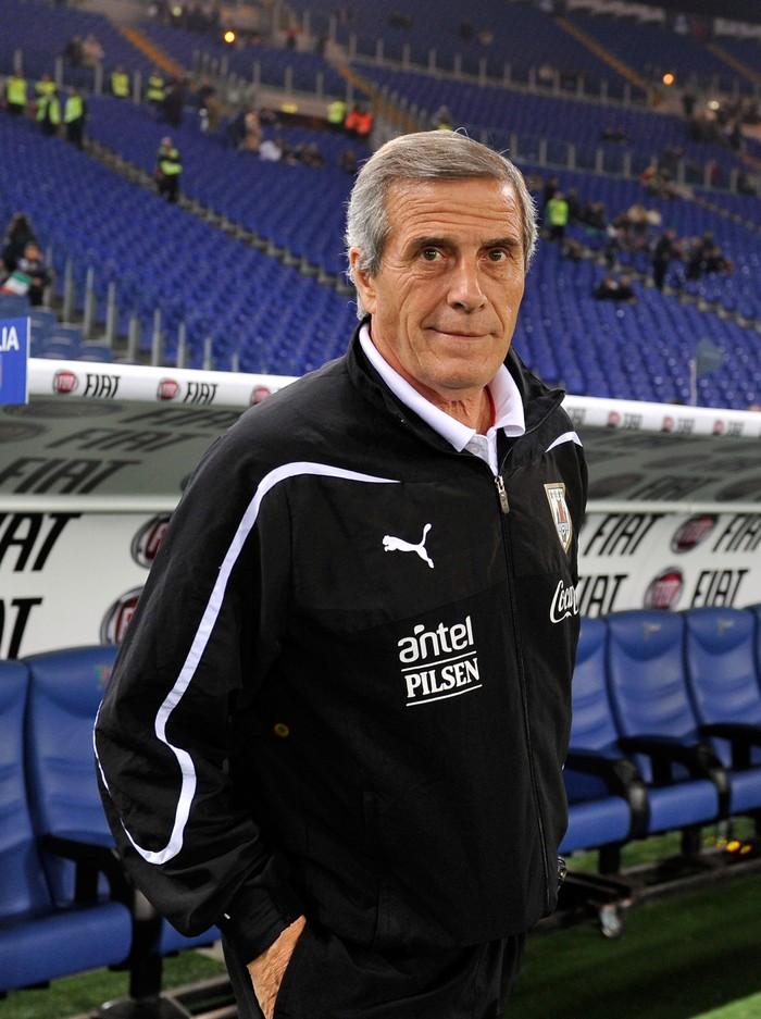 Di usianya yang kini 71 tahun, Oscar Tabarez menjadi pelatih tertua di Piala Dunia 2018. (Foto: GettyImages)