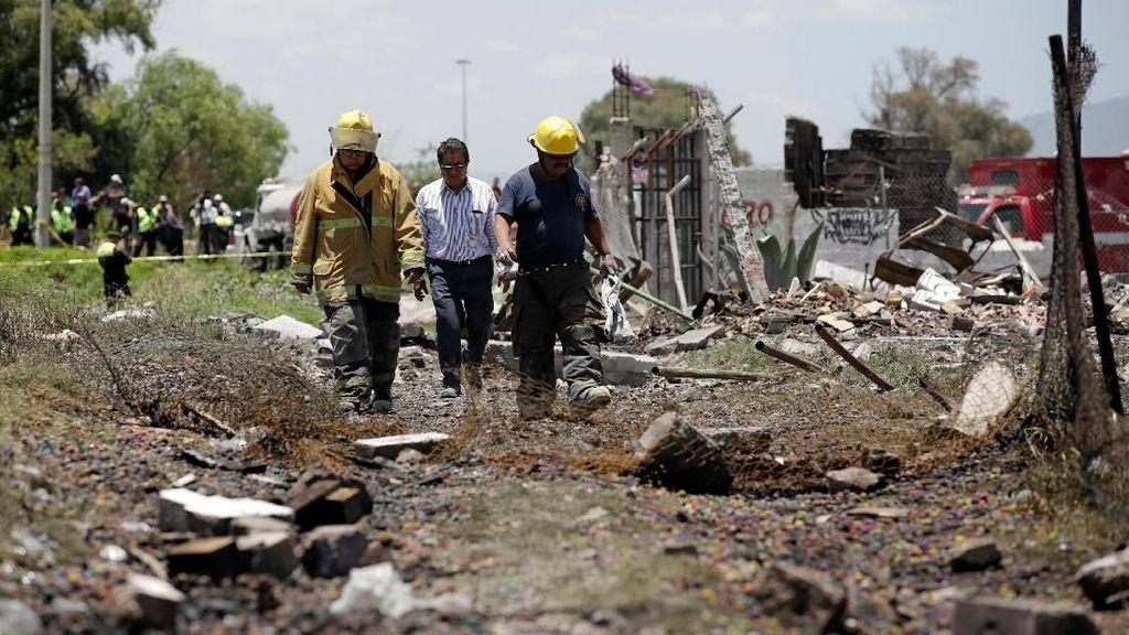 24 Orang Tewas Akibat Rentetan Ledakan di Gudang Petasan Meksiko