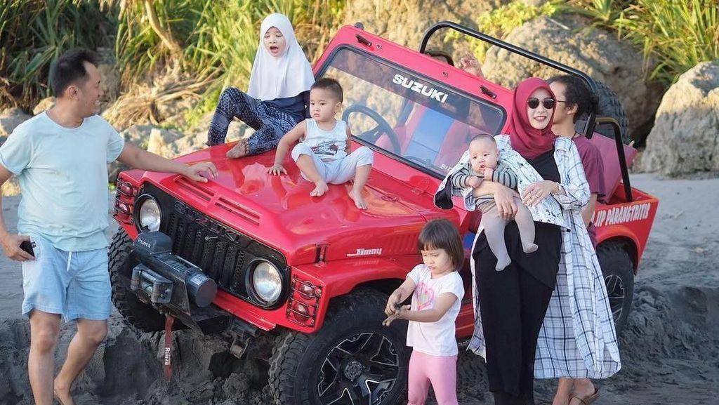 Foto: Liburan Keluarga di Sekitar Yogya ala Zaskia Mecca