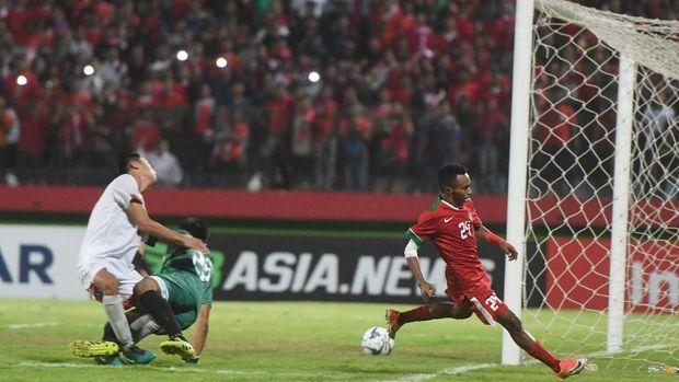 Todd Rivaldo Fere menjadi darah baru dalam lini serang Indonesia U-19 di babak kedua.
