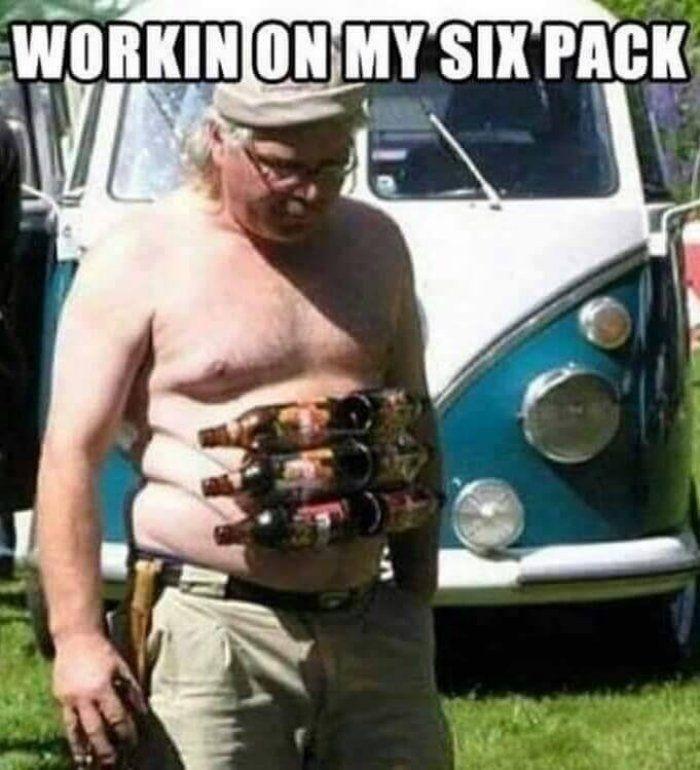 Berat banget latihannya bapak itu. (Foto: Internet)