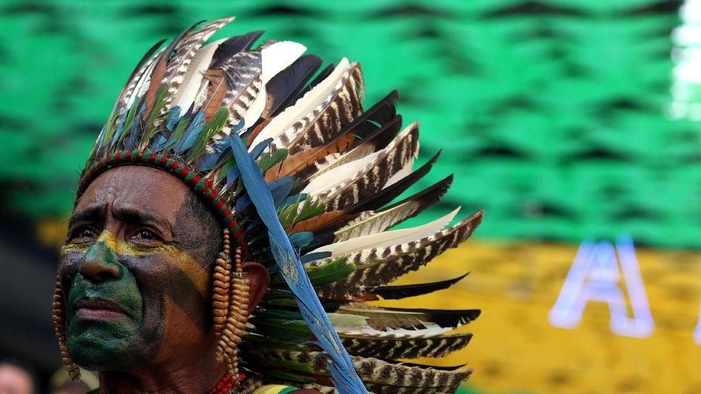 Wajah Sendu Suporter Brasil Iringi Kekalahan Tim Samba