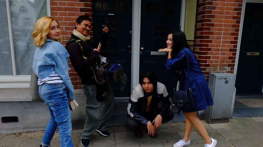 Megintip Proses Syuting Roman Picisan di Amsterdam