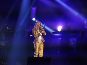 Celine Dion Dikabarkan Dekat dengan Russell Crowe