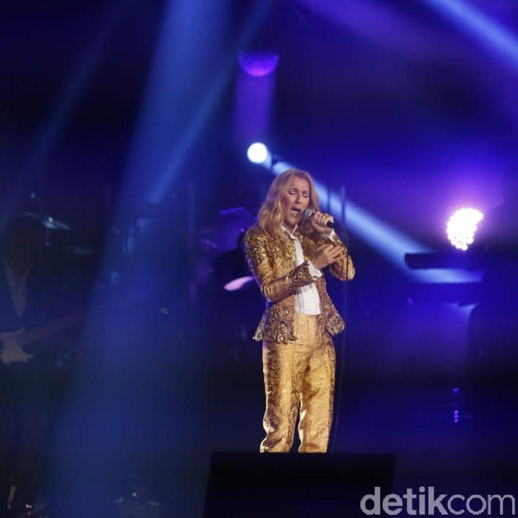 Giliran Celine Dion Hapus Lagu Duet Bareng R Kelly di Layanan Streaming