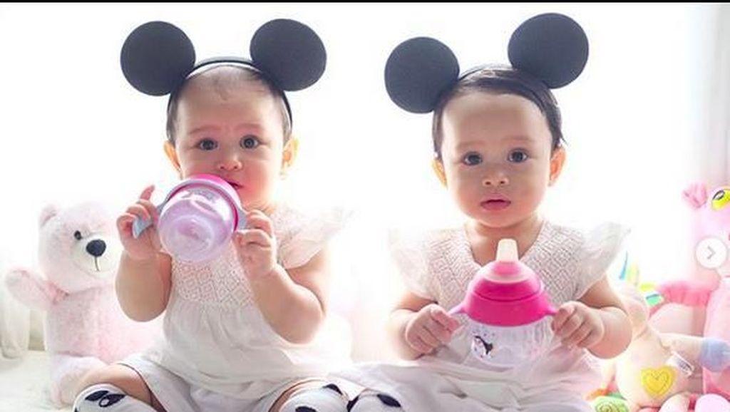 Alika dan Kalia, Si Kembar Putri Bayu Oktara yang Bikin Gemas