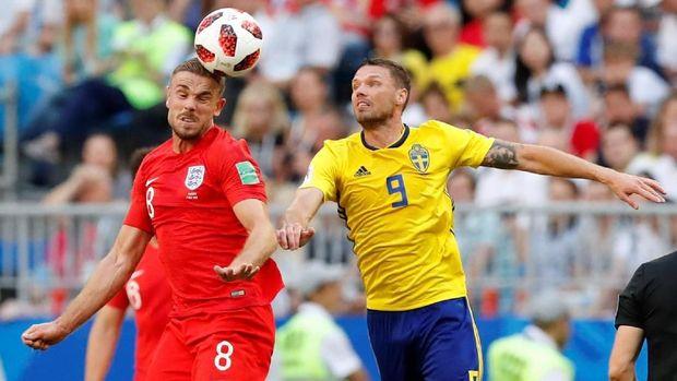 Swedia menunjukkan kerapatan lini pertahanan di laga melawan Inggris.