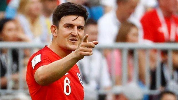 Harry Maguire mencetak gol sundulan dari sepak pojok saat melawan Swedia.