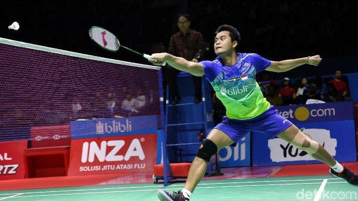 Tontowi Ahmad berpasangan dengan Apriyani Rahayu di Daihatsu Indonesia Masters 2020. Foto: Grandyos Zafna