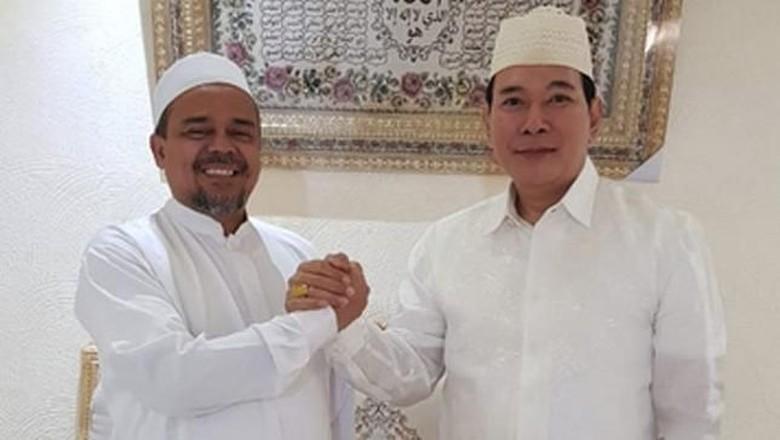 Salam Komando Tommy Soeharto dengan Habib Rizieq di Mekah