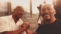 Ketika Deddy Corbuzier Ketemu Kembarannya, Dwayne Johnson