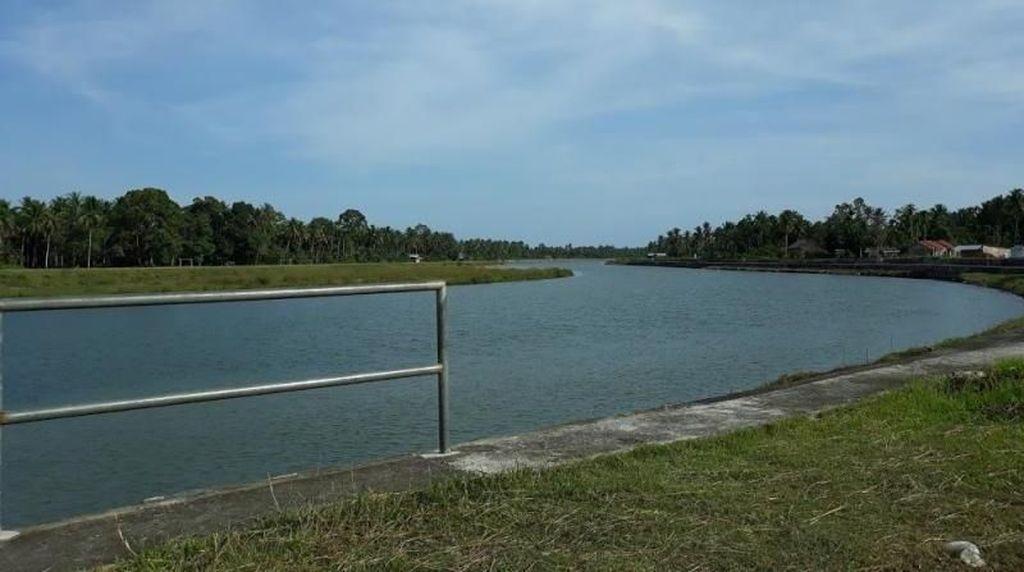 Santai di Sungai Batang Anai