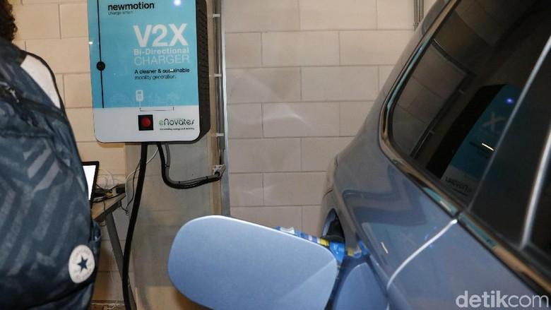Fasilitas pengisian baterai mobil listrik di Amsterdam, Belanda (Foto: M Luthfi Andika)