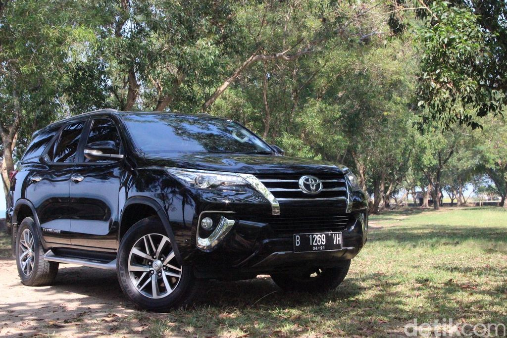 Test Drive Toyota Fortuner Model 2017