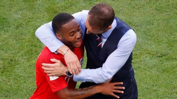 Southgate dan Raheem Sterling dalam laga melawan Swedia di babak perempat final.