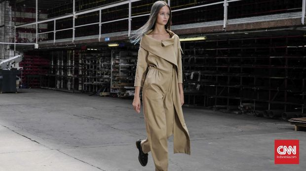 Eksperimen Streetwear dalam Couture Didit Hediprasetyo
