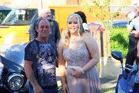 Selalu di-Bully, Gadis Ini Datang ke Pesta Prom dengan Cara Mengejutkan