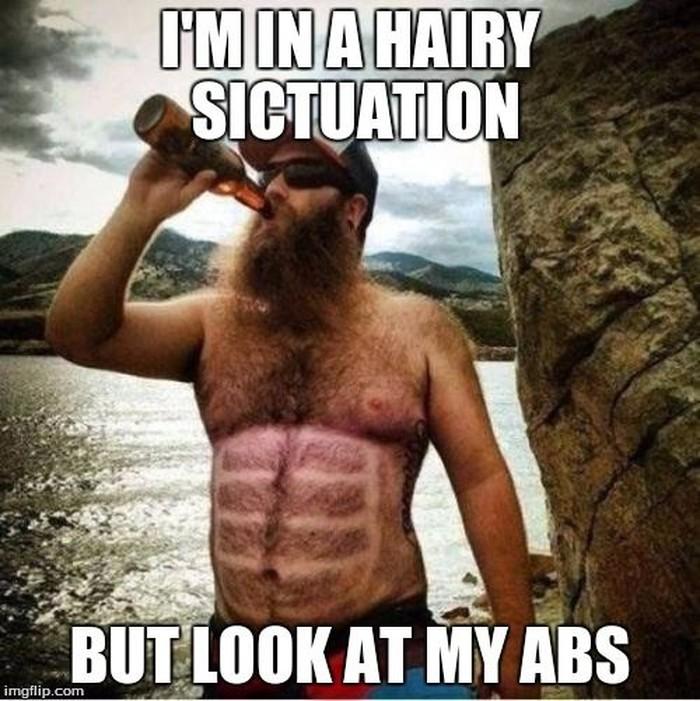 Keuntungan pria yang memiliki rambut di bagian dada dan perutnya. Bisa kelihatan sixpack lho. (Foto: Internet)