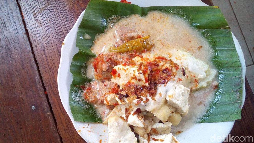Ayo, Jalan-jalan ke Pusat Kuliner Lokal Lentog Tanjung Kudus!