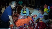 Mensos-Mendes Jenguk Pengungsi Gunung Agung, Sampaikan Pesan Jokowi