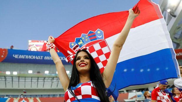 Fan timnas Kroasia, di Fisht Stadium, Sochi, Rusia, 7 Juli.