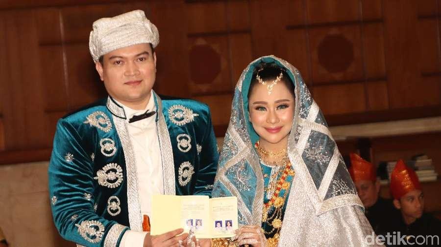 Sah! Chikita Meidy-Indra Adhitya Resmi Jadi Suami-Istri
