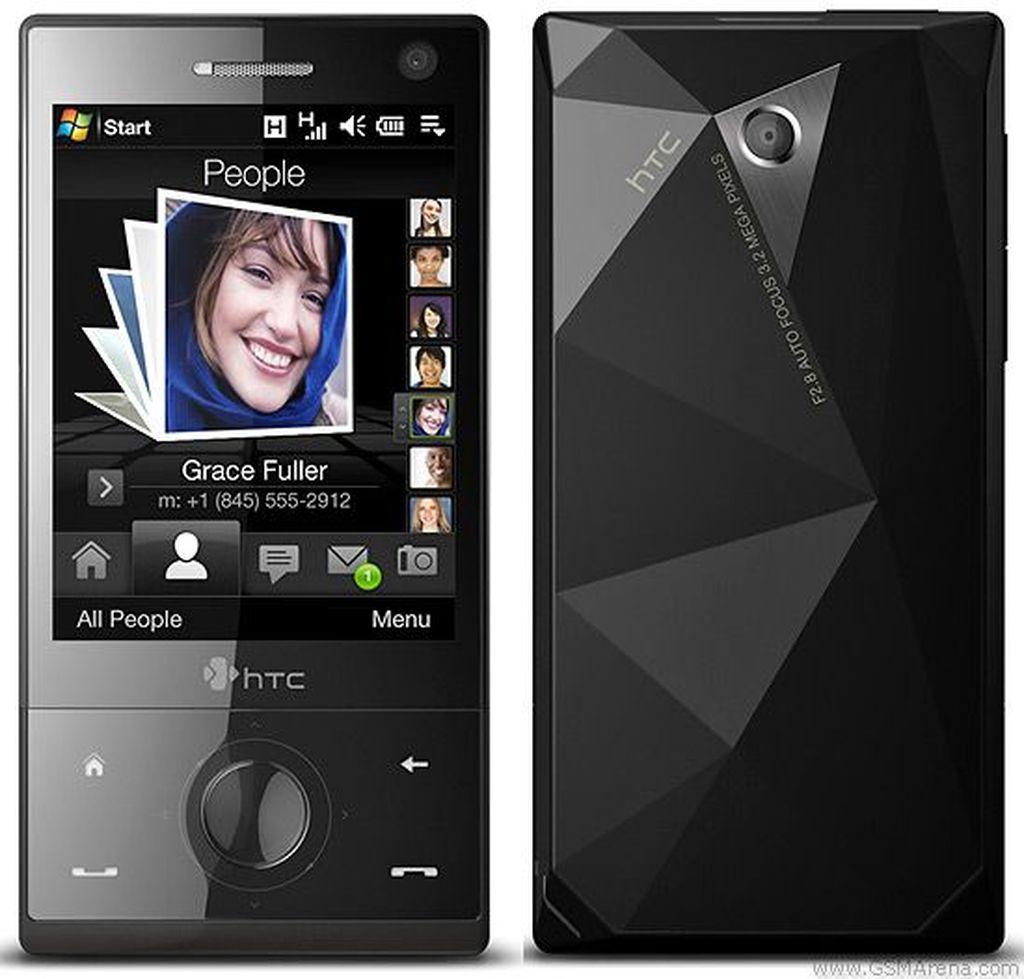 Bagian belakangnya yang memiliki pola seperti berlian jadi ciri khas HTC Touch Diamond yang dirilis pada 2008. Foto: Istimewa