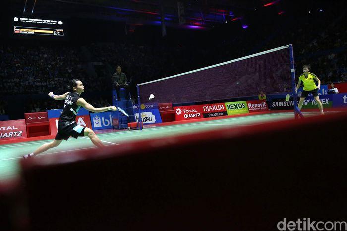 Tai Tzu Ying dan Chen Yufei bertanding di partai final Indonesia Open 2018.