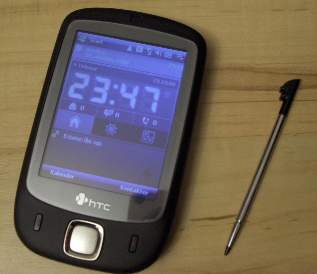 HTC Touch yang dirilis pada 2007 disebut sebagai salah satu karya sukses pertama HTC. Foto: Istimewa