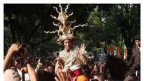 Foto: Beda Gaya Jokowi, Ahok, dan Anies Meriahkan Jakarnaval