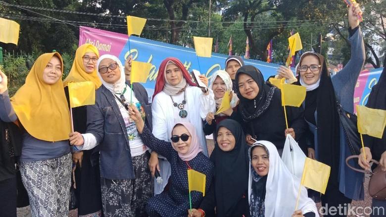 Ratna Sarumpaet-Neno Protes Evakuasi KM Sinar Bangun Dihentikan