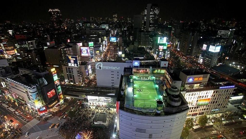 Foto: Aneka Lapangan Bola Paling Tak Biasa di Dunia