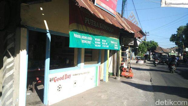 Warung burjo yang banyak ditemui di Yogyakarta.