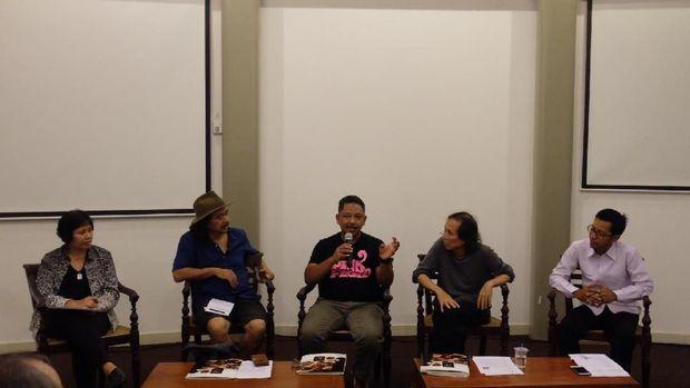 Pameran Tunggal Tisna Sanjaya Buat 'Rusuh' Galeri Nasional Indonesia