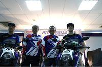Presiden Direktur PT YIM Minoru Morimoto, Vice Executive President & COO PT YIMM bersama Romain Febvre dan Jeremy Van Horebeek / (Foto: Yamaha)