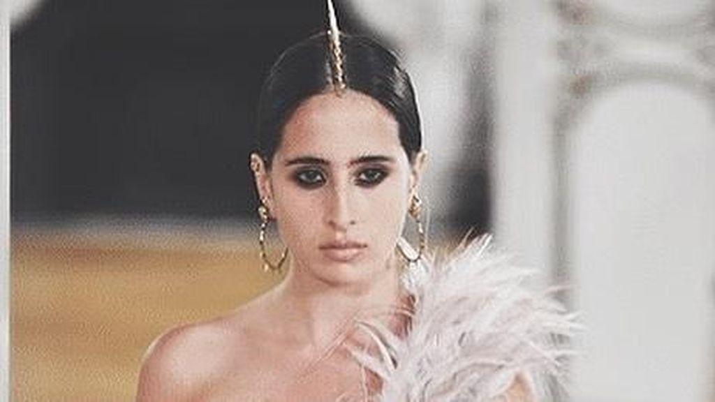 Ini Model Arab Saudi Pertama yang Berjalan di Paris Couture Week