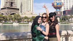 Berlibur Bareng Girls Squad ke Amrik, Ini Gaya Hijab Chacha Frederica