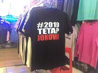 Ramai jualan kaos #2019GantiPresiden di Tanah Abang