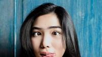 Selanjutnya adalah ekspresi jenaka yang ternyata sifat itu juga mengalir dalam diri Isyana Sarasvati. Foto: Instagram Isyana Sarasvati