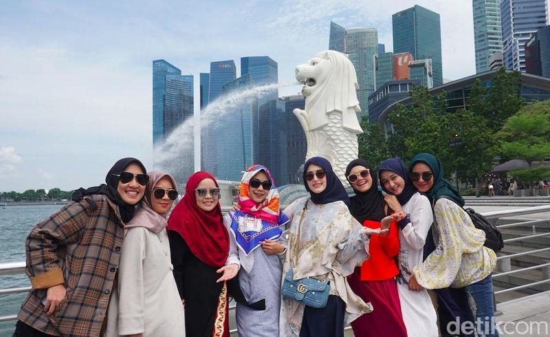 Selama 6 hari, para peserta mengunjungi berbagai tempat seru di Singapura. Mereka pergi bersama Adelia Wilhelmina dan Anisa Rahma (Shinta/detikTravel)