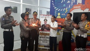 Kunjungan Hangat dan Ucapan Selamat 20 Tahun detikcom di Surabaya