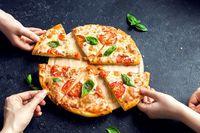 Keren! Robot dari Prancis Ini Bisa Bikin Pizza Margherita yang Enak