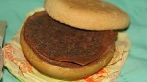 Bukan Barang Bersejarah, Burger Berusia 6 Tahun Ini Dilelang dengan Harga Tinggi