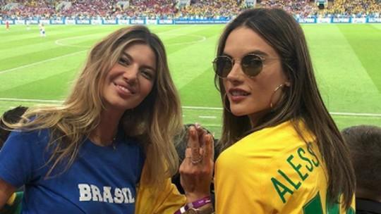 Sedih! Dukungan Maksimal Alessandra Ambrosio untuk Brasil