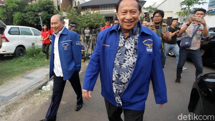 Para elite Partai Demokrat merapat ke kediaman Ketum Susilo Bambang Yudhoyono (SBY) (Agung Pambudhy/detikcom)