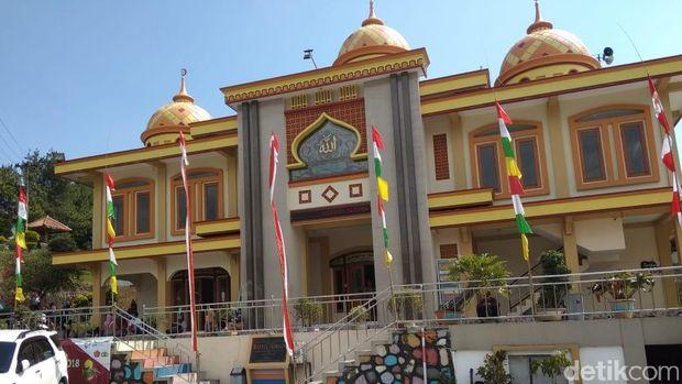 Masjid Baitul Ikhsan, Kabupaten Magelang.