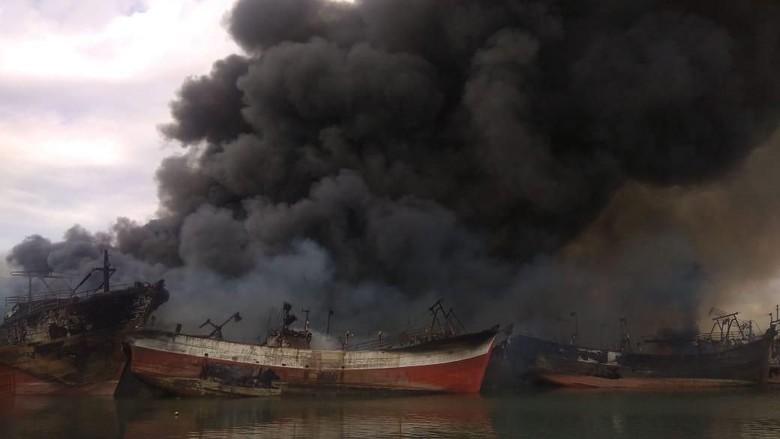 13 Orang Diperiksa Terkait Kebakaran 39 Kapal di Pelabuhan Benoa